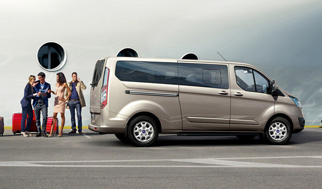 Ford_Tourneo_Custom