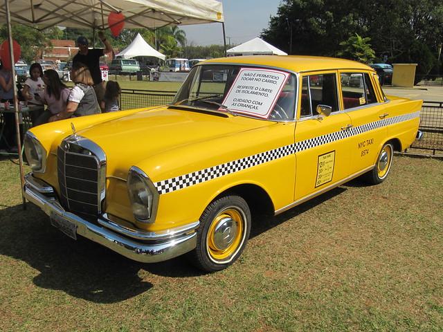 mercedes benz 180d nyc taxi cab 1960 flickr photo. Black Bedroom Furniture Sets. Home Design Ideas