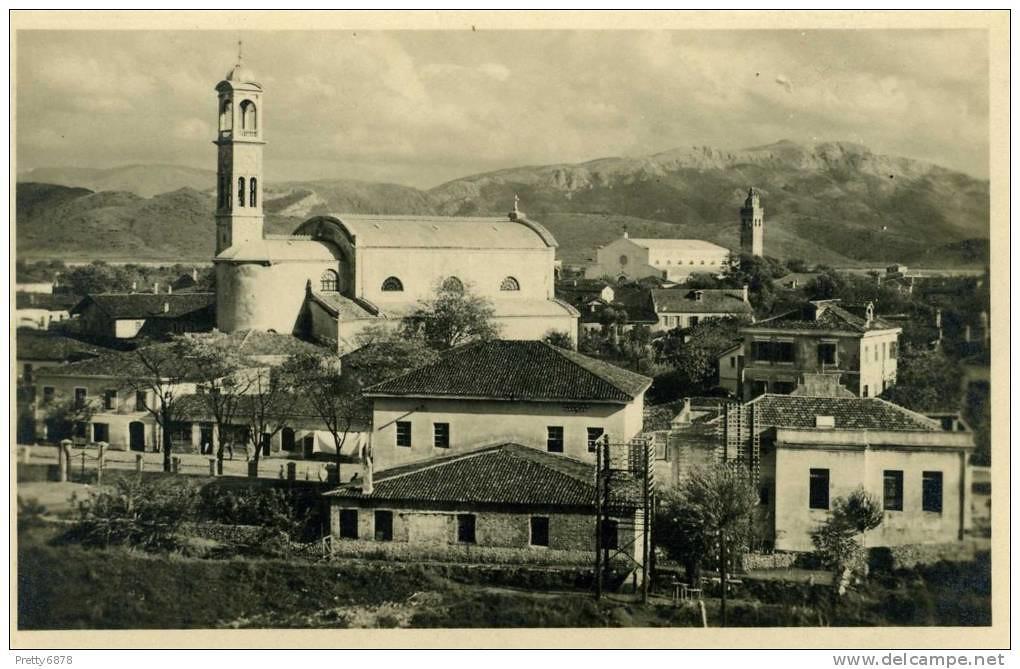 Pamje nga Shkodra. Vue de Shkodra. View from Shkodra. Vista de Shkodra, Albania.