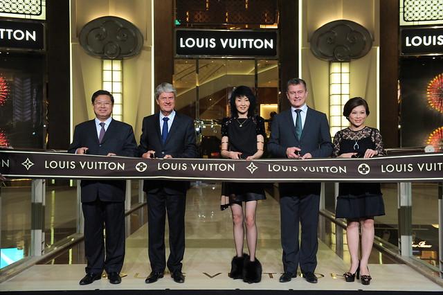 Hung-Ming Lin, Yves Carcelle, Maggie Cheung, Jean-Baptiste Debains, Anita Yang (1)