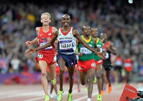 Mo Farah gana los 10 mil metros en Londres 2012