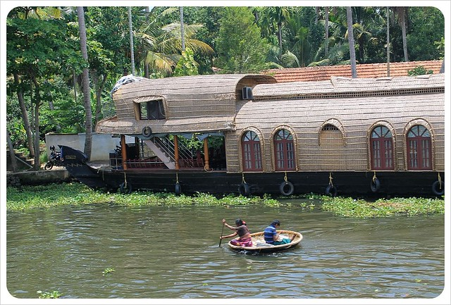 kerala backwaters houseboat and local boat1