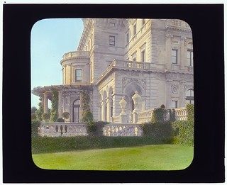 "[""The Breakers,""  Cornelius Vanderbilt II house, 44 Ochre Point Avenue, Newport, Rhode Island. (LOC)"