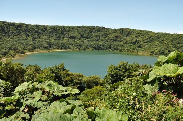 Laguna Botón, uno de los cráteres del volcán Poás en Costa Rica volcán poás - 7734270302 c7010341b4 z - Volcán Poás en Costa Rica