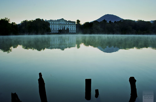 morning blue lake reflection salzburg castle water beautiful sunrise canon eos 350d dawn austria morninglight early österreich exposure palace location schloss canoneos350d eos350d manorhouse soundofmusic longtimeexposure beforedawn schlossleopoldskron desomnis soundofmusiclocation