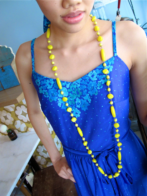 Super long yellow beads add an interesting clash of colour!