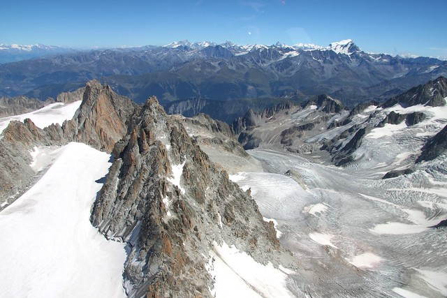 Extreme Environments - Arêtes, Glaciers and Cirques - Plat ...