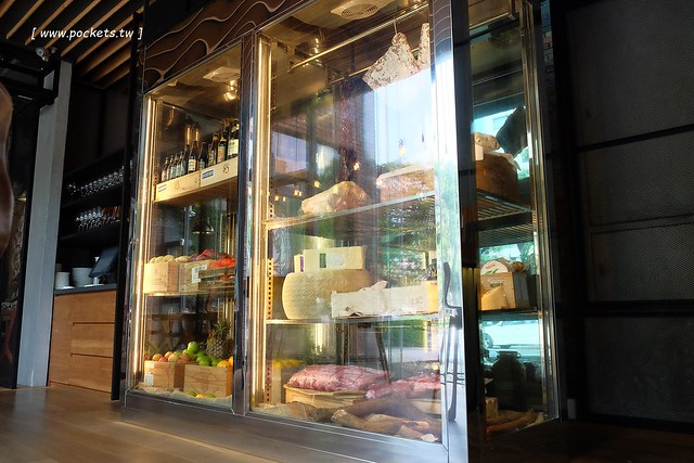 28084328643 b06c036537 z - 熱血採訪│FORE restaurant:使用最古老的Grill烹調方式,兼具深度與用心的美食佳餚,位於美術館綠園道旁,有台中少見的綿羊豬料理
