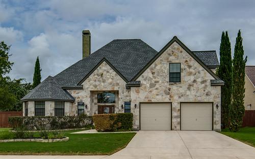 250 English Oaks Circle Boerne-large-001-1-Front-1500x938-72dpi