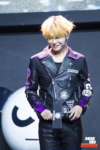 G-Dragon HIPANDA HQs Shanghai 2015-08-31 (33)