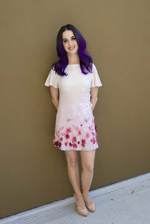 Katy_Perry_Part_of_Me_press_conference_portraits_by_Magnus_Sundholm_11
