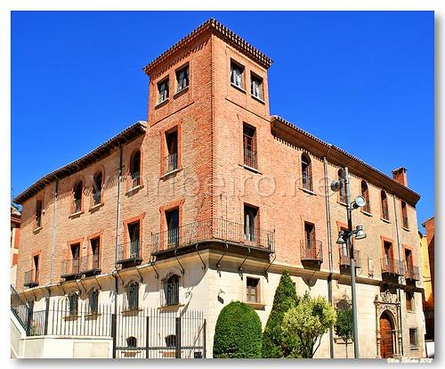 Palacete em Burgos by VRfoto