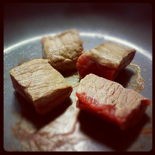今天週末早午餐主食 ::: 煎骰子肉 by 南南風_e l a i n e