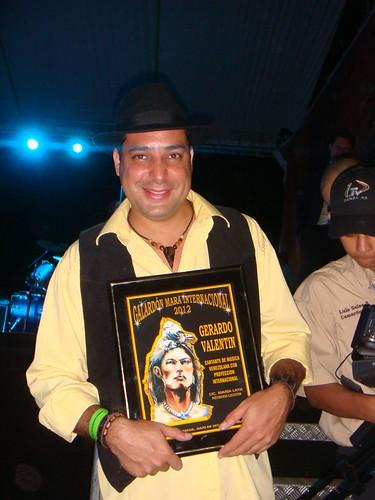 Gerardo Valentin recibe premio mara internacional 2012 by Gerardo Valentin