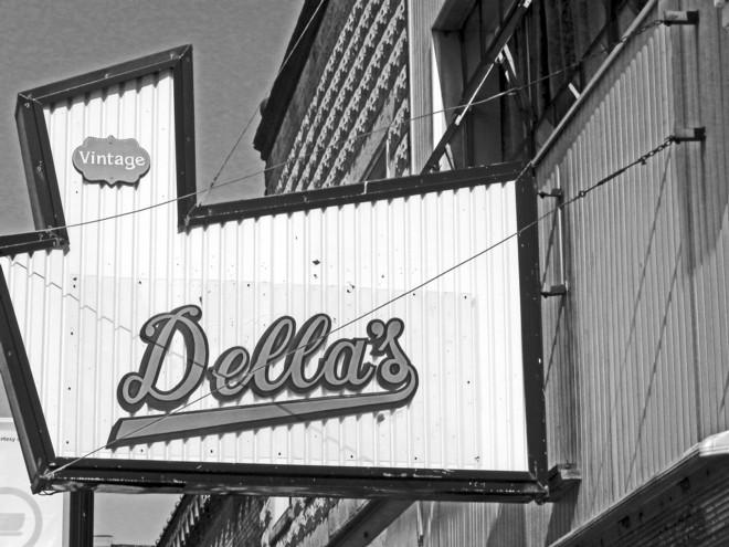 06-02-2012_Vintage Della's