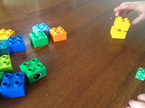 Dice Game Using Duplo For Preschoolers