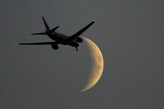 Night flight to the moon