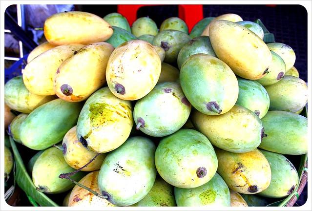 phnom penh central market mangos