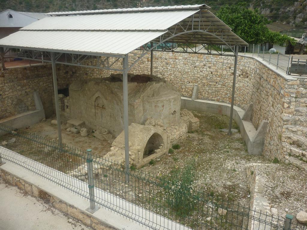 Тот самый храм, найденный турецким фермером у себя под теплицей.