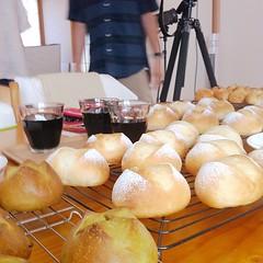撮影終了♪ パンがいっぱい(^-^)/ 皆さんお疲れさま!