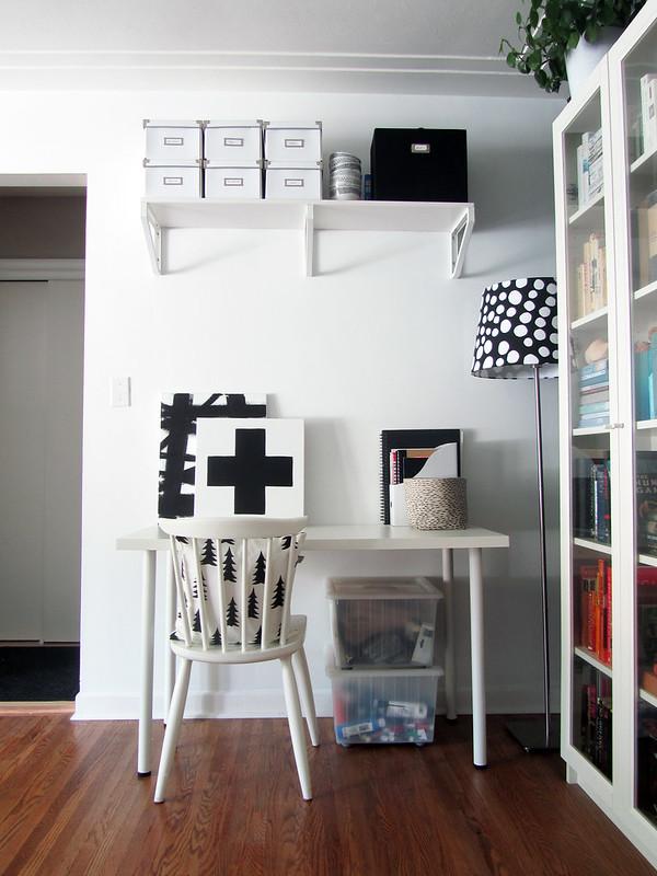 blackwhitelivingroom3