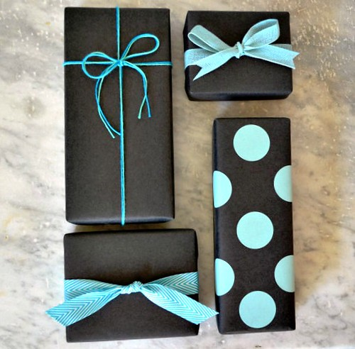 paper-and-present-black-kraft