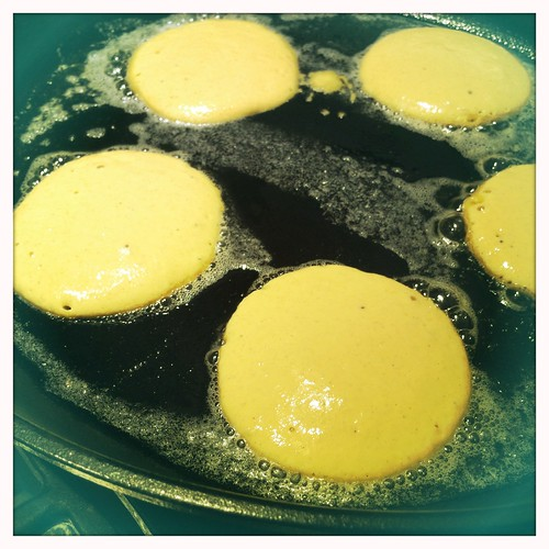 "2 T batter = 4"" pancakes"
