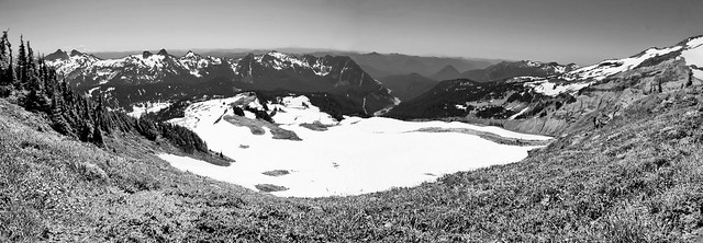Skyline Trail vista (pano, B&W)