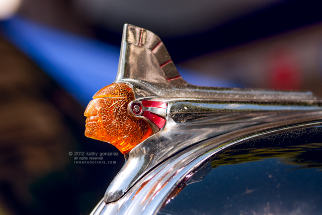 1946 pontiac hood ornament