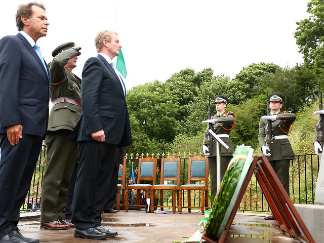 michael collins death in beal na Cross from death site of michael collins valued at €12k in history sale rusty iron cross was first memorial at béal na bláth on the spot where he died.