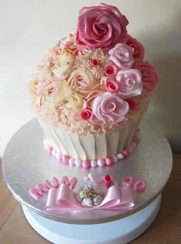 Beautiful Cupcake Images : Cupcakes Take The Cake