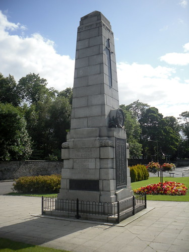 Bo'ness War Memorial 2