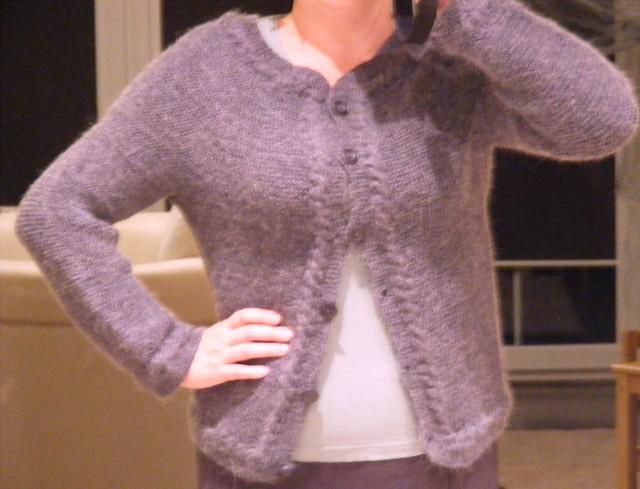 Wiosenny sweter-żakiet
