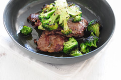 w2 lemon steaks with broccoli-2