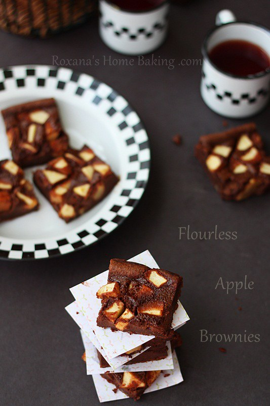 flourless apple brownies #chocolateparty |Roxanashomebaking.com