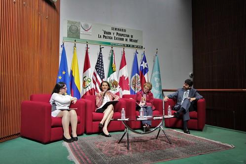 El día 19 de septiembre se llevó a cabo en la H. Cámara de Diputados el Seminario: Visión y perspectivas de la política exterior en México.