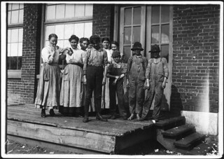 Group of workers in Central Mills. Sylacauga, Ala, November 1910