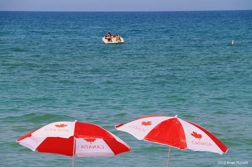 vacation ontario canada beach swim umbrella boat lakehuron grandbend heatwave mygearandme fridayjuly6th2012