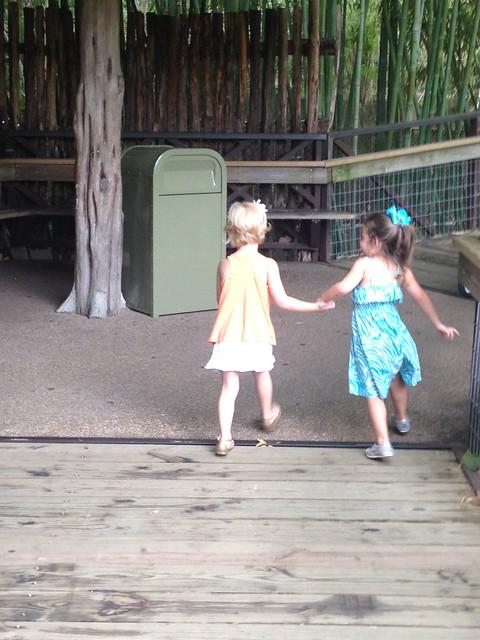 kinley & eden holding hands2