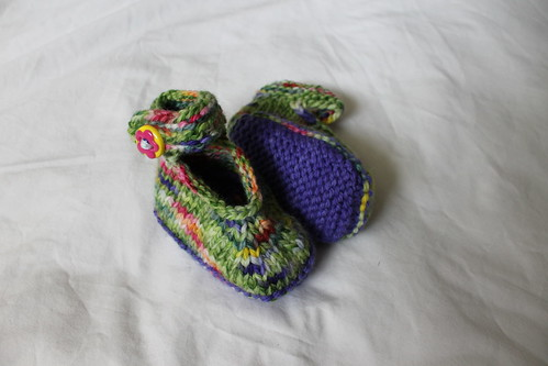 6-12mo 'Tiptoe through the Tulips' Booties *NEW Lower Price*