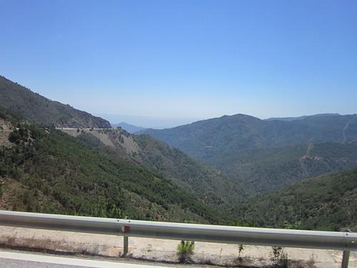 ロンダに向かう山道 2012年6月5日 by Poran111
