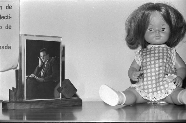 Foto abuelo pepe y muñeca