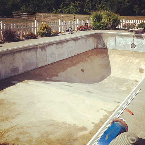 New pool liner going in!