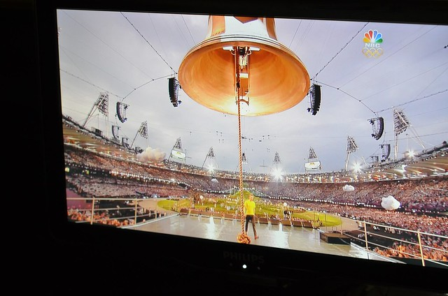 Wiggins and giant bell open Olympic Ceremony