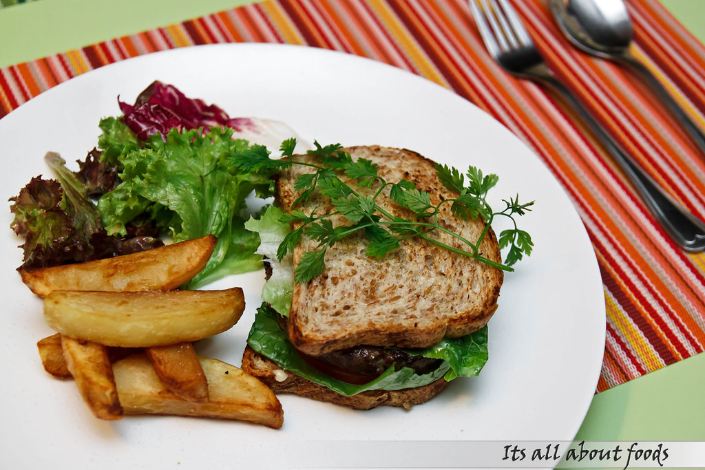 beef-burger-with-home-made-french-fries-salad-croisette-cafe