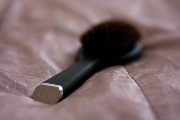 GHD-Oval-Dressing-Brush