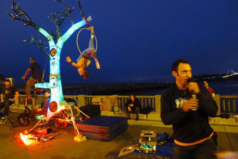 Shredder performs on hoop from El Arbol