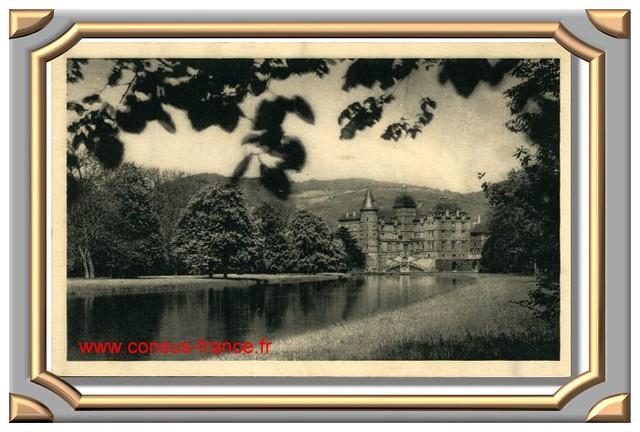 Château de VIZILLE (Isère) La pièce d'eau -70-150