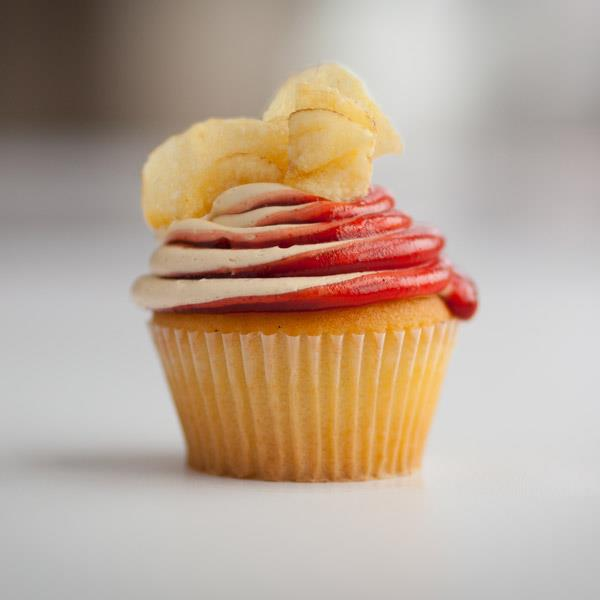 Potato chip and peanut butter and jelly cupcakes at jilly s cupcake