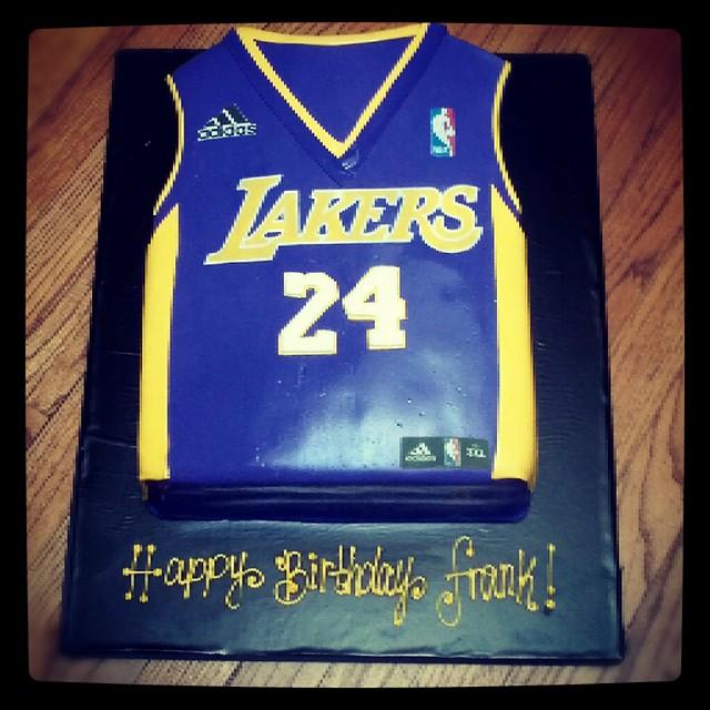 lakers jersey cake